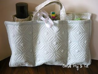 Everyday Mom Ideas: Travel Cosmetics Bag Tutorial (featured guest blogger)