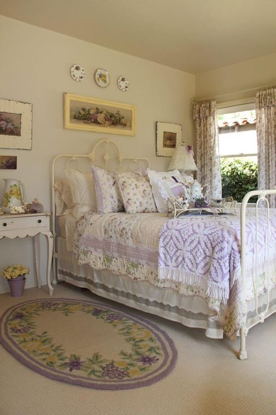 Beautiful iron bed and oyher great cottage details picture for Pictures of beautiful guest bedrooms
