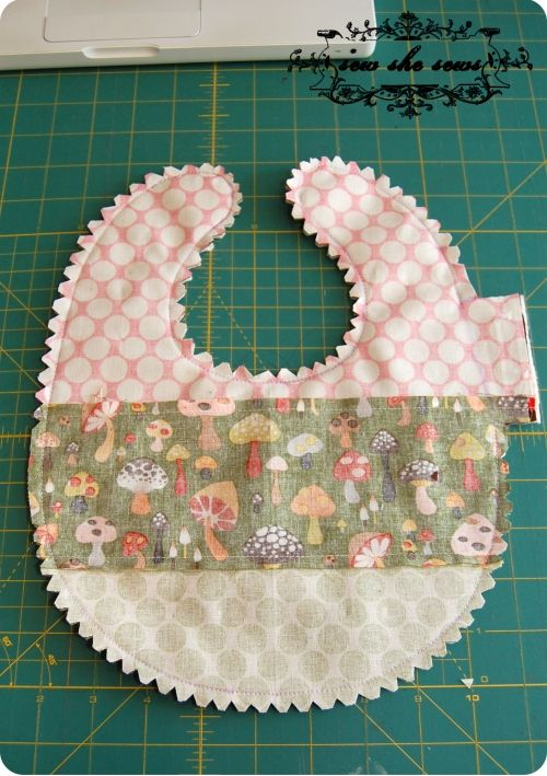 Free Patterns For Quilted Baby Bibs : Quilted Patchwork Bib Pattern And Tutorial Scrap fabric, Patterns and Tutorials