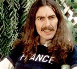 480.000 € pour une guitare de G. Harrison http://www.yellow-sub.fr/news/480000-eu-pour-une-guitare-g-harriso-29707