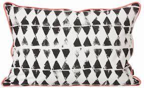 grafische prints zwart wit ....nice pillow black/white/neon