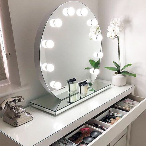 24 Best Lighted Makeup Mirror Designs 2020 Makeup Mirror With
