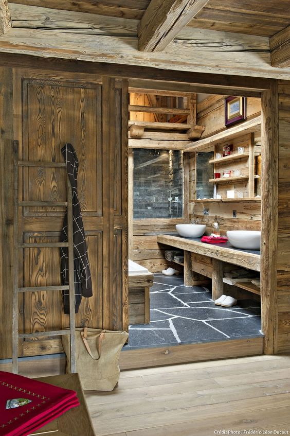 en suisse un chalet authentique et tout confort ardoise salle de bains design et ardoise. Black Bedroom Furniture Sets. Home Design Ideas