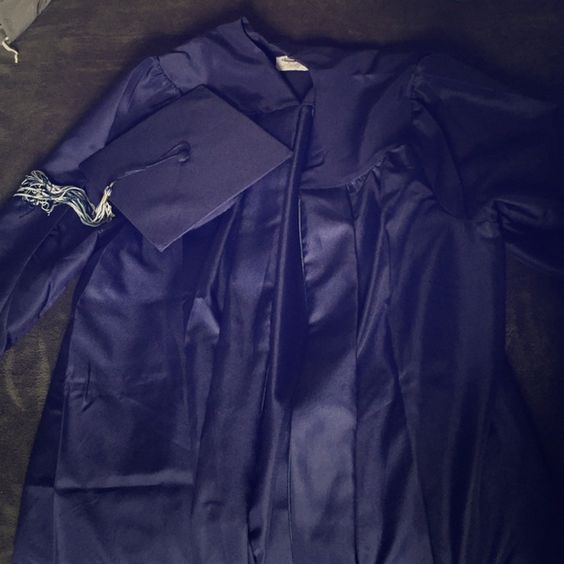 "Navy graduation gown and cap NEVER WORN. Paid over $40. Size 5'4-5'6"" LOT# IMD2865230R. Only opened but wrong size. Navy. jostens Other"
