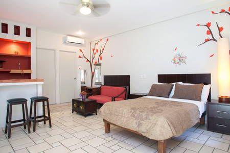 Échale un vistazo a este increíble alojamiento de Airbnb: 1HB IN THE HEART OF CABO, DOWNTOWN! - Departamentos en alquiler