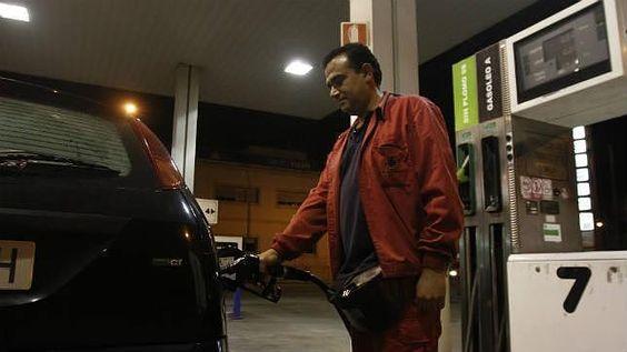 Gasolineras y Policía Nacional lanzan una campaña para prevenir y denunciar robos