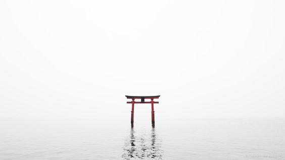 鳥居 (Entrance to a Sacred Space) by Takeshi Wakabayashi on 500px