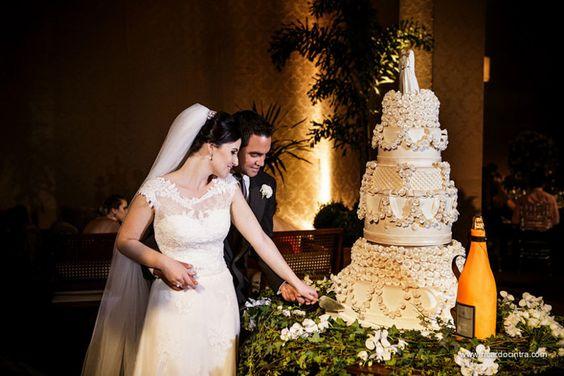 http://www.noivasdobrasil.com.br/casamentos-reais/casamento-juliana-e-gabriel-casamento-sta-cruz-do-rio-pardo-sp