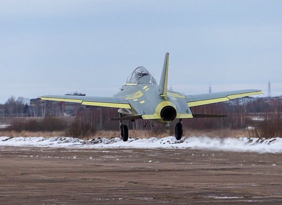 "★CSKA RU★[RUS]BF4㍑さんはTwitterを使っています: ""ロシアの新興航空機メーカー KB SAT が自主開発した前進翼練習機 SR-10 現在は飛行テスト中で結果が良好の場合、ロシア国防省が数機の購入を予定している #САТ https://t.co/JLq6PiDhVj"""