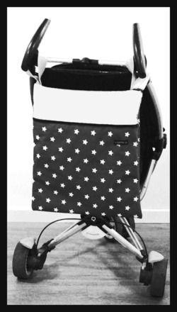 magnifique sac à poussette design et pratique dans un tissus 100% coton avec petites étoiles . Il s'accroche aux poignées de votre poussette grâce à ses deux petites anses. Vr - 5671365