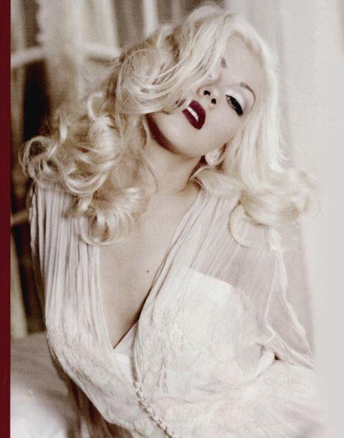 Platinum blonde. Marilyn Monroe style. Glamorous. Christina Aguilera.: