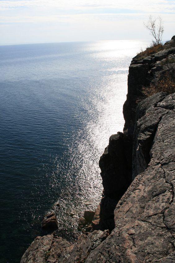 Lake Superior, Palisade Head:  Drop-Off, Head Mspdestination, Lake Superior