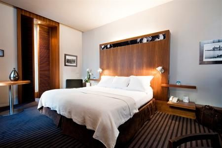 Situated less than 10 minutes' stroll from the Centre Ville-Gare, the Beau Rivage offers 24 hour room service. A Wi-Fi connection is provide...