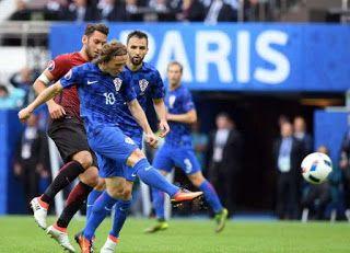 Blog Esportivo do Suíço:  Com golaço de Modric, Croácia vence Turquia na estreia da Eurocopa