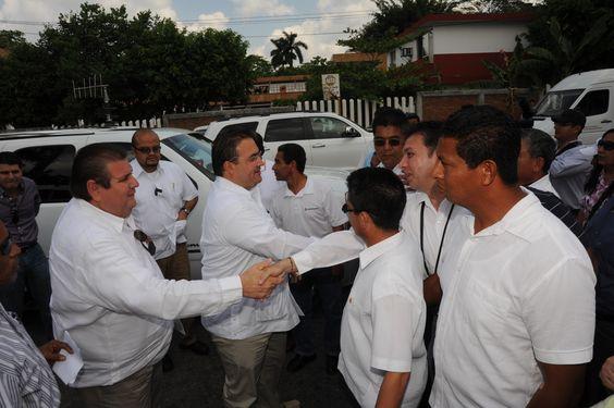 """El Gobernador de Veracruz, Javier Duarte de Ochoa, asistió la Conmemoración del """"205 Aniversario del Natalicio de Benito Juárez """"Benemérito de las Américas"""", que se realizó en  el municipio de Poza Rica."""