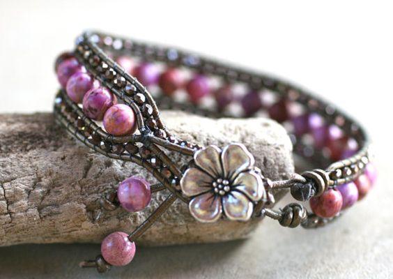 Violet Jasper Variscite cristaux cuir Wrap Cuff Bracelet fait main de Bronze de pierre gemme