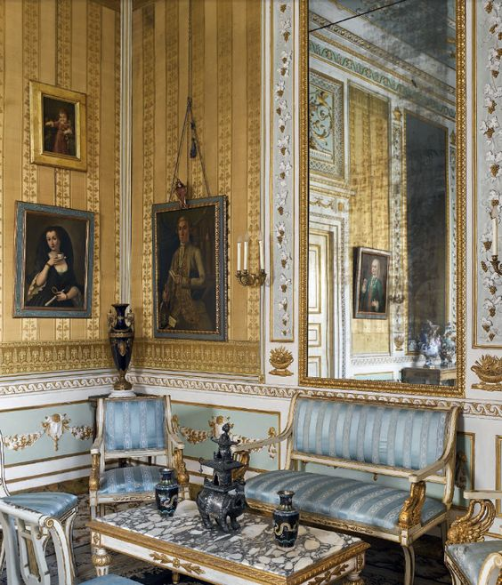 1000 Ideas About Neoclassical Interior On Pinterest: Drawings, Italy And Drawing Rooms On Pinterest