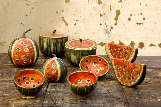 This is the official website of Koralia Kolaiti and her ceramic art workshop.  Unique handcrafted ceramic items.
