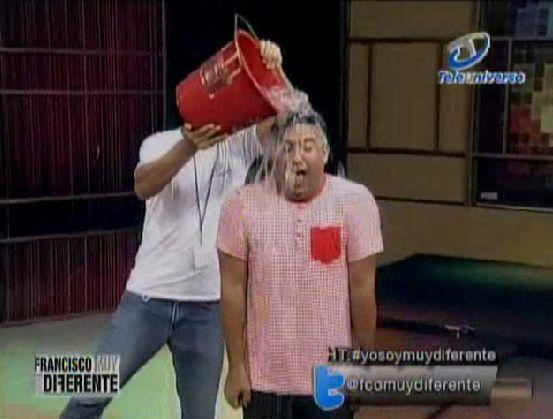 """Francisco Vásquez Se Une Al """"Ice Bucket Challenge"""" El Reto Del Cubo De Agua Fria Con Hielito #Video"""