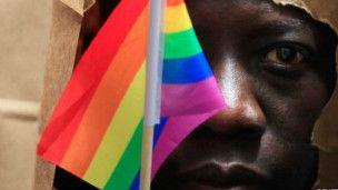 Homosexualité : un motif d'asile - L'homosexualité est illégale dans 38 pays africains - BBC Afrique