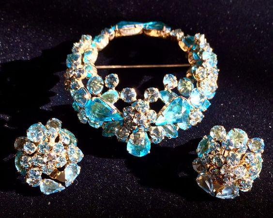 Vintage Schreiner New York Brooch and Earrings Blue Rhinestones #SchreinerNewYork