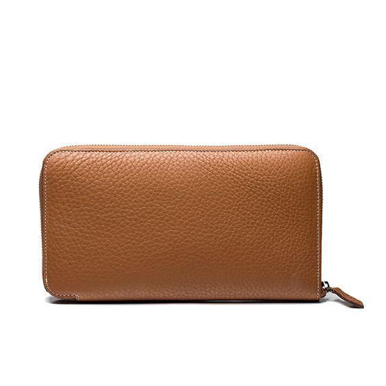 LEATHER WALLET #walletmen  Wallet in refined textured leather with branded metal plate, large internal compartments and card slots.