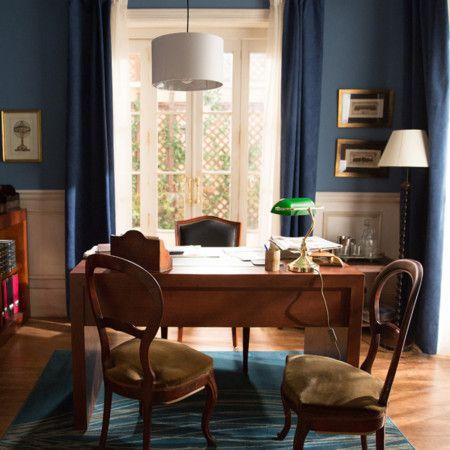 Lámpara de notario  verde y oro - Clásica lámpara de notario o banquero con interruptor en el cable.  Detalles:  Una luz perfecta, también es ideal como iluminación ambiental. Un clásico para escritorio.