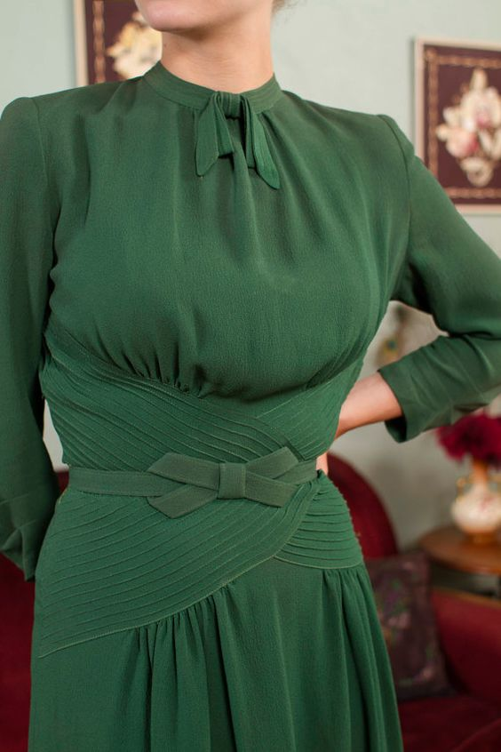 Vintage 1930s Dress Fantastic Later 30s Green Rayon by FabGabs ~