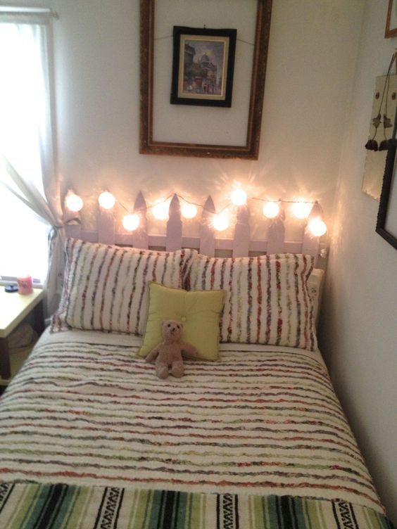 simple yet artsy decor for small room art bed style