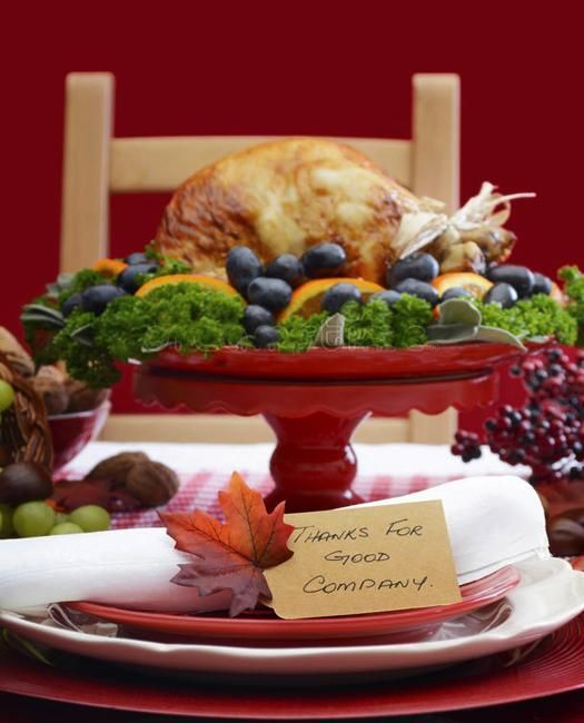 Beautiful Thanksgiving Ideas With Vintage Vibe For Your Family Holiday Tables Holiday Tables Thanksgiving Table Decorations Vintage Vibes