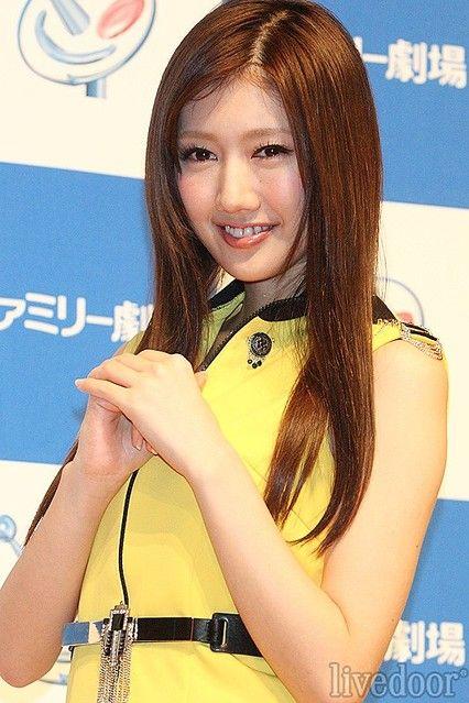 Hanako Takigawa - actress