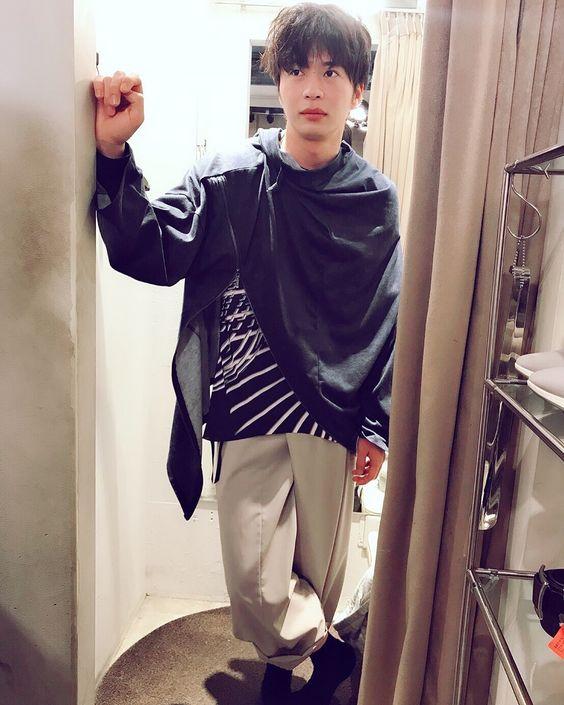 ダボっとした服装がオシャレすぎる田中圭