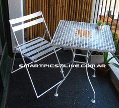 Mesa cuadrada 55 cm de lado 70 cm de altura silla de hierro plegable 85 cm de altura 45 cm de ancho 45 cm altura de asiento