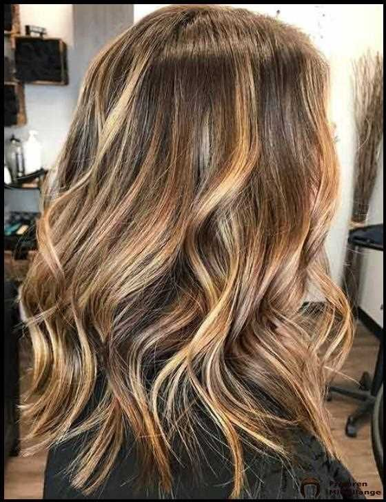 35 Auffallige Haarfarben Im Herbst 2020 Haarfarben Herbst Blonde Haare Haare Dunkler Farben