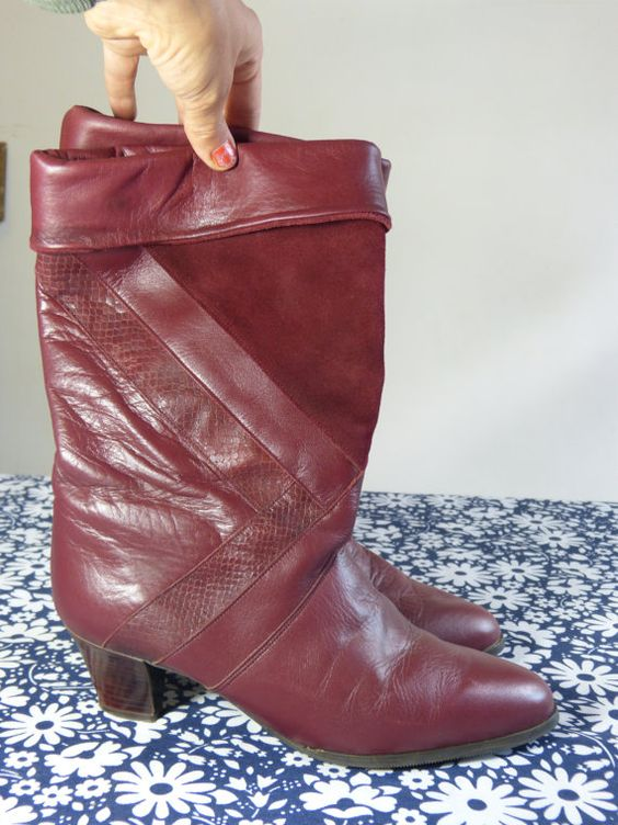 Burgundy leather whith suede and snake skin details mid calf high CLARKS boots - size 9 or 39,5 - French 80s vintage
