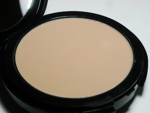 Make Up Forever Multi-Use Pro Finish Powder Foundation review