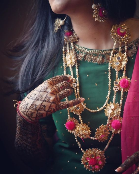 5 Instagram Pages Where You Can Buy Gota Jewellery From!
