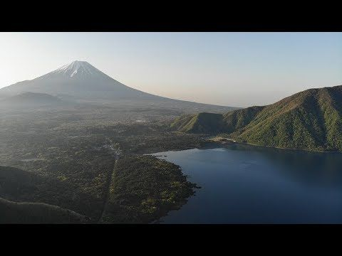 富士山頂から20km 山梨県は富士五湖の一つ本栖湖の湖畔 本栖レークサイドキャンプ場のホームページです 水遊び 花火 カヌーに釣り ペットもokです トレッキング ハイキングも 夏休みを過ごすのに格好の自然があるファミリー向けのキャンプ場です キャンプ場