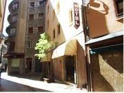 Die AWA Hotel Festa Brava, La Vella, Andorra, mit Frühstück, ist ein Luxushotel mit Preisen so niedrig, dass sie Rivalen Hostel-Preisen. Bieten den höchsten Komfort und Preis-Leistungsverhältnis bietet dieser Berg Juwel Zimmer mit Bad, Kabel-TV und Telefon in jedem Zimmer - Ski-Schränke sind ebenfalls enthalten.