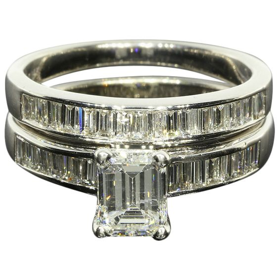 1.55CTW Emerald and Baguette Diamond Bridal Set