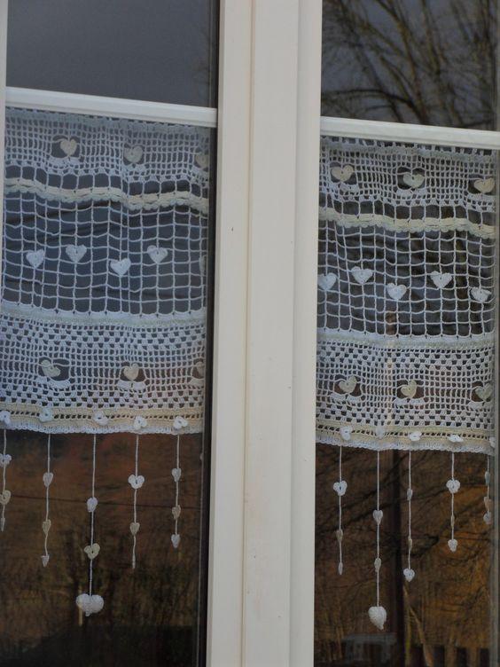 rideau crochet fait main constellation de c urs fa on mounette constellations textiles et crochet. Black Bedroom Furniture Sets. Home Design Ideas