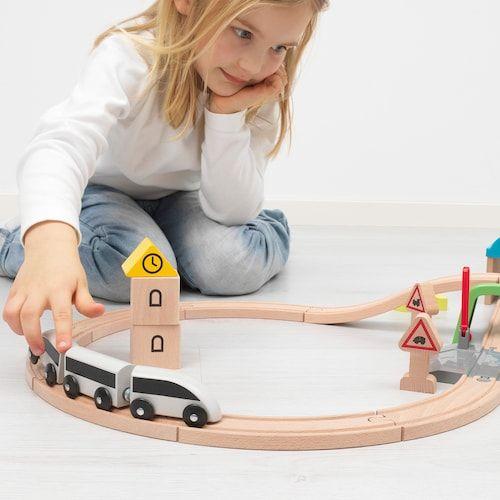 プラレールと一緒に遊べるIKEAの木製列車シリーズLILLABO