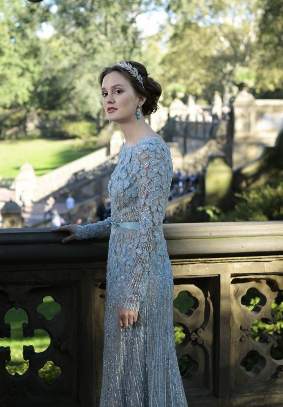 Pin for Later: Look Back at Every Gossip Girl Wedding! Chuck and Blair's Wedding Blair's blue dress comes courtesy of Elie Saab.