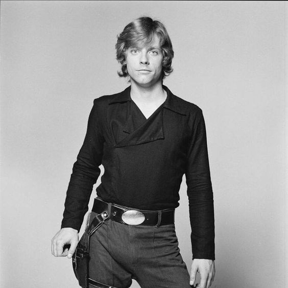 Luke finally got some style in Return of the Jedi. Maybe Han gave himsome pointers, what with the double-foldover collar and such.