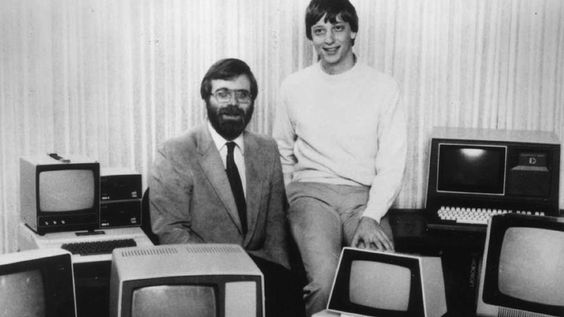 Microsoft co-founders Bill Gates and Paul Allen recreated a picture they  took back in the 1980s, showing the once-estranged duo is no longer on the outs.