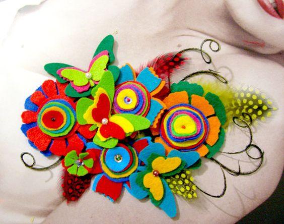 felt brooch: Brooch Soooo, Felt Crafts, Felt Flowerz, Diy Felt, Felt, Felt Brooch, Arts Crafts Felt, Fabulous Felt, Felt Flowers