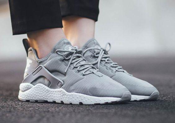 Nike Huarache Grau Pink