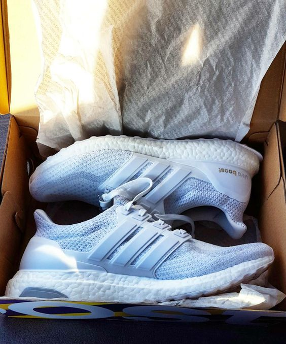 My local Hibbets had triple white 2.0's in Stock. My lucky day