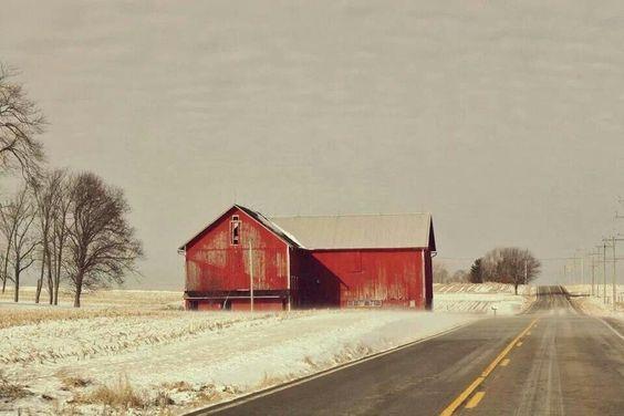 In Ohio . Barn / Snow