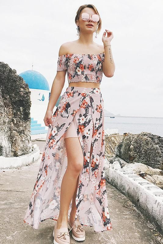 29 Beach Holiday Outfits That Make You Look Fabulous outfit fashion casualoutfit fashiontrends